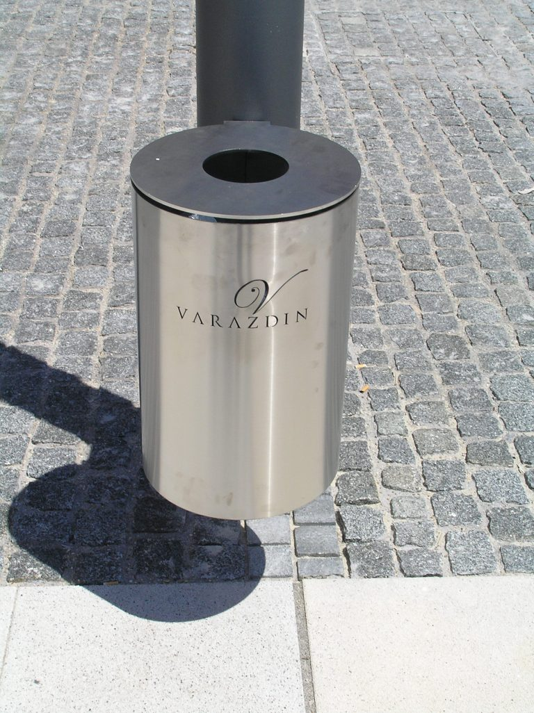 unikatna urbana oprema - inox- koš za smeće