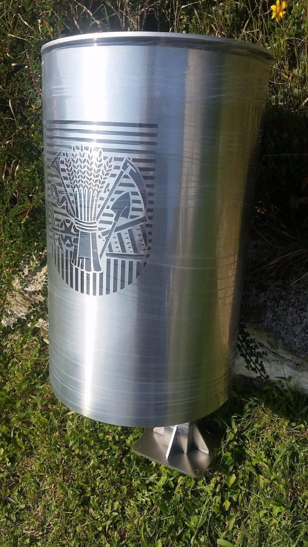 unikatna urbana oprema - inox - koš za smeće
