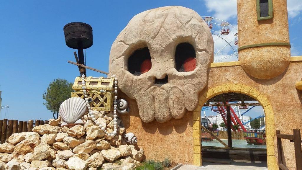 Tematiziranje zabavnog parka Mirnovec - mrtvačka glava